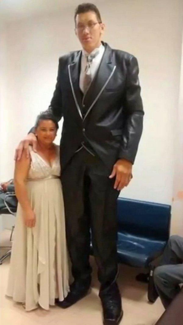 Самый высокий бразилец женился