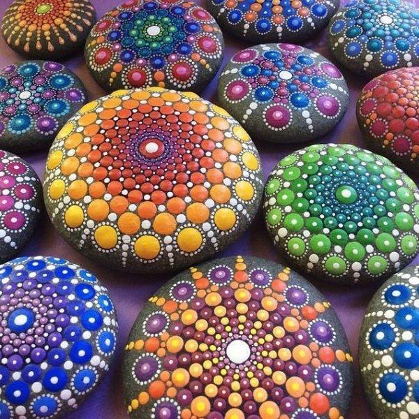 Расписные камни