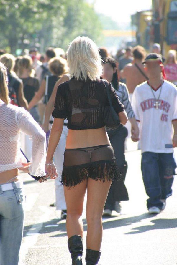 легка мужиков новороссийск девушки коротких юбках видны стринги фотки так часто