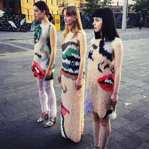 Платье из ногтей