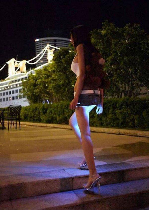 Мини-юбка с подсветкой