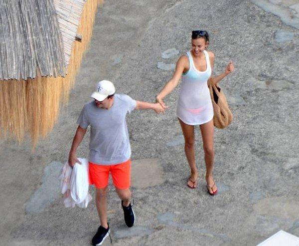 Ирина Шейк и Брэдли Купер: страсти на берегу