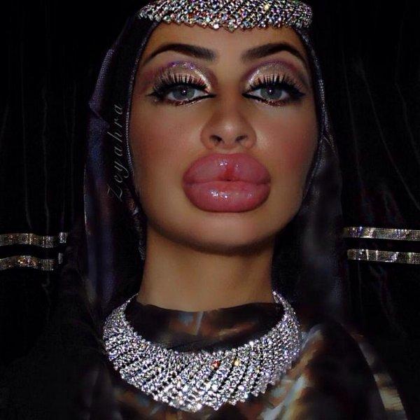 Афганская красавица