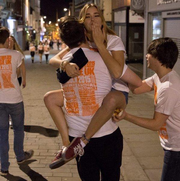 Как гуляют пьяные студенты фото 129-351