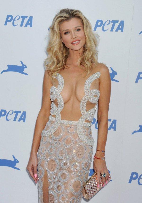 Прозрачное платье Joanna Krupa