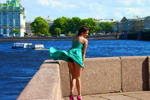остро модные женские брюки