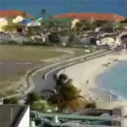 Сдуло самолетом в море  - Видеоприколы
