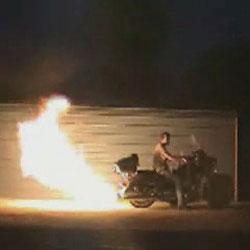 Файер-шоу - эскперименты с мотоциклом