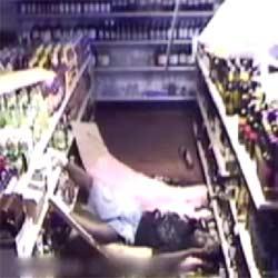 Ограбление магазина : Вор-неудачник