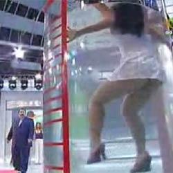 Девушка в аквариуме - Видеоприколы